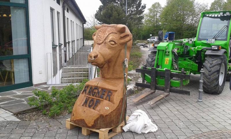 holzschnitzerei-skulptur-ochse