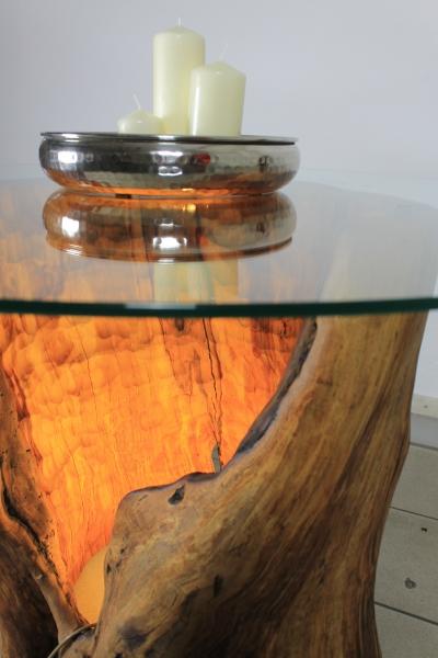 kettensaegenkunst-birnbaum-tisch