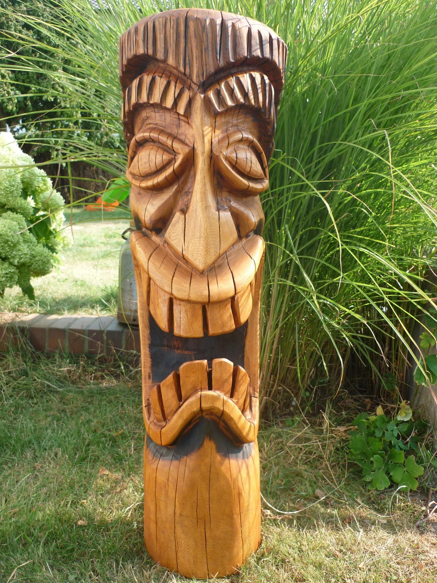 Kettensägenkunst Holz Tiki